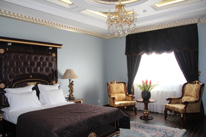 deluxe room at hotel nabat palace, moscow