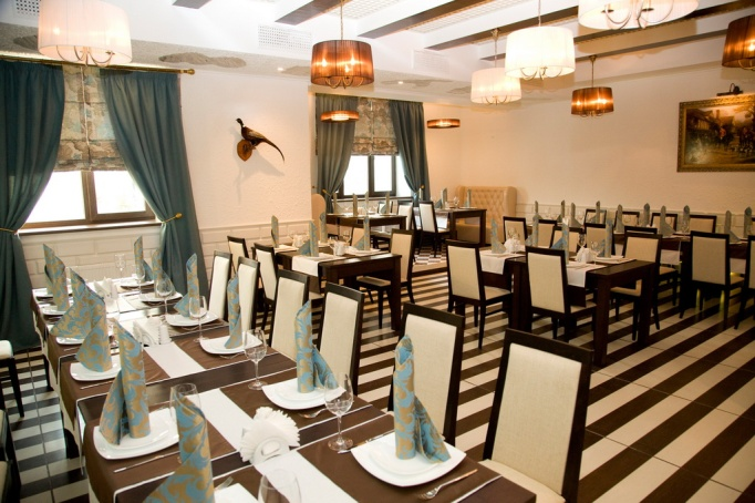 restaurant at hotel nabat palace, moscow