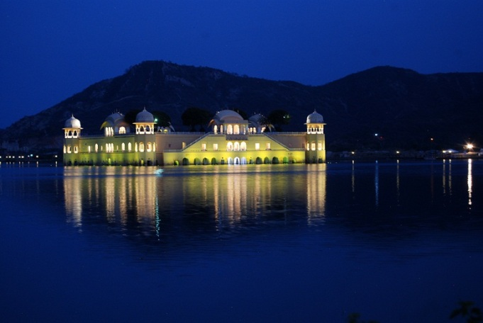 night view of jal mahal jaipur